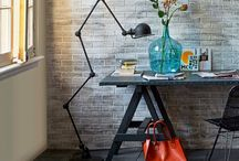 Γραφείο / Όταν δουλεύεις για πολλές ώρες σε γραφείο, τότε η αισθητική, η οργάνωση και η άνεση είναι προυποθέσεις για αποδοτικότητα και ψυχική ηρεμία.