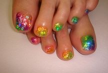 Nail art pieds tons multicolores