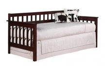 DAY BEDS / Mom's Bunk House offers Day Beds for Kids from leading brands. We've carefully chosen a range of beds that combine quality, value, and style. Our beds make a great addition to any child's bedroom, and every bed comes with Mom's 100% satisfaction guarantee.