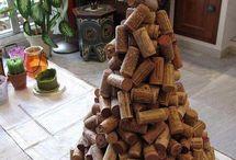 Viinipullokorkeista askartelua