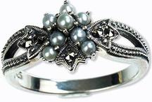 Jewelry / by Eva Moe