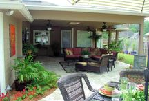 Outdoor Living Room Design / The backyard of this Jacksonville, FL home originally just had a small wooden patio that wasn't very enticing but 5 Star Outdoor Design designed and built the new custom pool and patio area to be perfect for the whole family. The outdoor kitchen, bar and fire pit area are perfect for entertaining guests. The large pool is great for pool parties or just relaxing and catching some sun and the covered patio area makes the perfect outdoor living room.