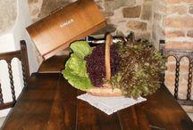 Nuestra cocina / El Mas ofrece una cocina totalmente tradicional, con productos de temporada y de la zona del Ripollès.