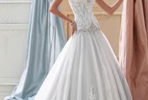 Lace Wedding Dresses / Beautiful, Unique Lace Wedding Gowns
