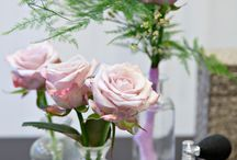 Lovelace+ / Lovelace+ This beautiful large-flowered rose comes in a soft pink with a hint of lilac. This gives the flower the feel of a true heritage rose, but paired with the quality of a modern top-of-the-range fresh cut flower. Utterly romantic and subtle, perfect for bridal arrangements and other special occasions. In addition to this, Lovelace+ offers a true, authentic rose scent, which is unique for flowers.  Wonderfully surprising for anyone who comes across the Lovelace+
