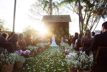 Casamento no Campo ♥ / Queridinho das noivas românticas e que buscam uma cerimônia original, o casamento no campo tem a natureza e o amor como protagonistas!#CasamentoNoCampo #Wedding #BackyardWedding #RusticWedding