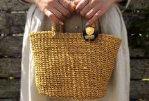 コーデにプラスワン手編みの天然素材デイリーバッグ
