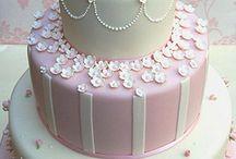 Dreamy Wedding Cakes / by Gracielli