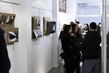 LA VILLA TUGENDHAT Exposición de arquitectura / El pasado día 26 de Noviembre de 2010 se inaugura en nuestro espacio (Calle Ángel Rebollo 56-58, bajo) la exposición sobre la Villa Tugendhat, obra maestra del arquitecto Ludwig Mies van der Rohe y uno de los ejemplos más representativos del estilo internacional en la arquitectura moderna desarrollado en Europa.