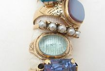 Jewelry and Baubbles / by Suzanne Slim