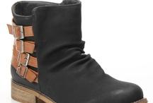 Zapatos / by Carla León V