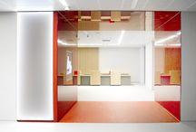 Red & White / Realizacja: sala sprzedaży, hurtownia chemii budowlanej B+B