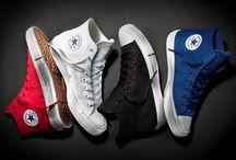 Converse Chuck Taylor 2 / Une sneakers à porter quelque soit la saison, quelque soit la tenue. Un basique du dressing à chaussures pour les grands et les petits. Facilement associable avec un short, une jupe, une robe, un pantalon… Elle a sa propre identité et reste un incontournable.