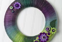 DIY Yarn Wreaths for all Seasons