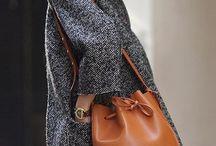 It-Bags. / Passion sacs, pour mettre toujours plus de rouge à lèvre à l'intérieur.