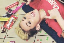 Miley Cyrus / Miley an Perfection