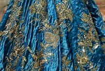 Paleta Do Mundo,ouro sobre azul / by Isabel Neto