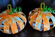 Fall/Halloween projects 4 kids / by Jennifer Kobasic