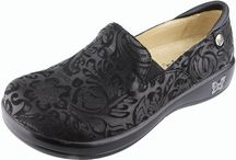 Alegria shoes / Alegria shoes are some of the most popular shoes carried at Shoe Mill. The comfort features are unmatched. Alegria feature great arch support and are comfortable for ALL day wear!