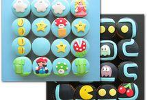 Amazing Cakes & Cupcakes / by Taylor Richardson