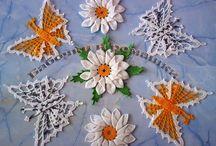 kwiatki szydełkowe i koralikowe