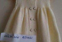 Vestido de criança em trico