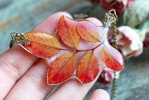 Leaves in resin