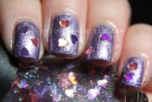 nails / by Paulina