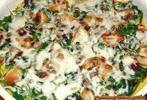 tartă de mămăligă cu ciuperci și spanac
