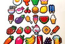 Perler beads Ideas (strijkkralen ideeen) / Hee am!! zullen we hier alle leuke ideen die we op pinterest vinden voor Strijkkralen zetten???