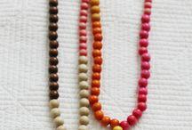 necklaces.- κολιέ
