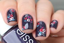 nails flowers