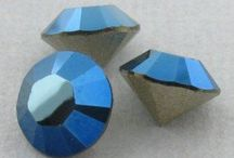 Cristale Swarovski / O gama variata de cristale Swarovski va asteapta pe site-ul nostru cu 30% reducere.