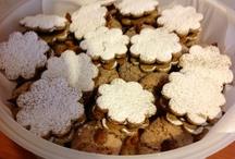 Biscotti di frolla con mousse di cioccolato e amaretti sardi / I Dolci di Maria Rita