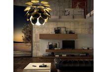 Marset / Marset is het eerste Spaanse verlichtingsmerk in de collectie van Flinders. En daar zijn we maar wat trots op! De bijzondere lampen van Marset trekken altijd en overal de aandacht dankzij een unieke vormgeving. Of je nu een hanglamp, vloerlamp, tafellamp, wandlamp of spot zoekt, in de collectie van Marset ga je sowieso een prachtexemplaar vinden.
