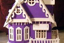 Dainty Dollhouses