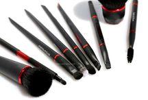 Beauty Brushes & Tools / beauty tools, makeup brushes, beauty brushes, makeup tools, makeup needs