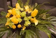 Flower arranging/centerpiece