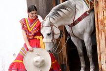 Tradiciones Muy Mexicanas