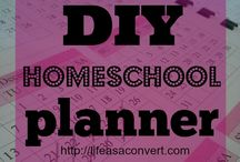Homeschool Organization / Get organized with your homeschool with all these tips and tools.