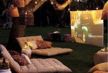 Summer Nights / Skulle vara urmysigt att göra detta i sommar om det skulle vara möjligt. Vi behöver någons backyard, en projektor, ett lakan, go dricka, popcorn och trevligt sällskap! :D Sensommaren då det är lite mörkare och på någons tomt så man kan dricka haha