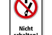 Elektrotechnik-Schilder / Schilder für den Bereich der Elektrotechnik – z.B. für elektrische Betriebsräume, Hochspannungsbereiche.