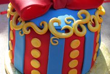 Amazing Cakes/Cookies / by Lanny McCormack