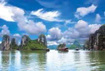 Halong Bay / Rocks lined, I am longing to views of Vietnam