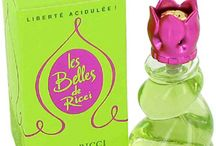 Parfum / Lolita Lempicka  Lolita Lempicka  Eau de Parfum   1. green ivy, aniseed 2. violet, woodsy iris, licorice, dark cherry 3. vetiver, tonka bean, vanilla, white musk, heliotrope, praline  1997 France  http://www.basenotes.net/ID10212178.html https://www.fragrantica.com/perfume/Lolita-Lempicka/Lolita-Lempicka-456.html http://item.rakuten.co.jp/kousuimonogatari/lrp1003-sale/  #lolitalempicka