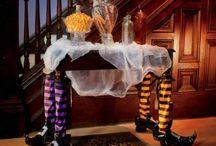 Halloween Decorations / Creepy & fun Halloween decorations, Halloween recipes & Halloween party ideas.
