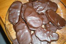 Συνταγές για γλυκά / Μπες στο www.famecooks.com, μοιράσου τις συνταγές σου, ανέβασε τις φωτογραφίες σου, κάνε νέους φίλους και απογείωσε την κουζίνα σου!