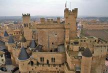 Castillos y monasterios