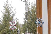 Sparkling Snowflake and Star Glass Ornaments / Fused glass and stained glas Christmas / snowflake ornaments, created by fellow glass artists. See also board Glass Stars.