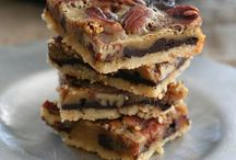 Healthy Low Carb Chocolate Recipes / All the best low carb, keto and THM chocolate recipes. Divine Indulgence!